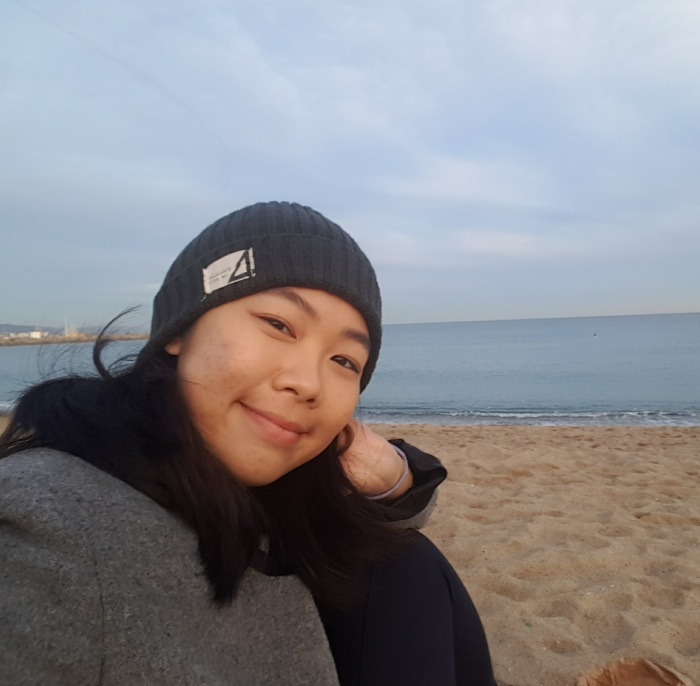 Barcelona beach Dec 2016.jpg