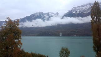 Curving around the bend of lake Brienz on the train to Bern.